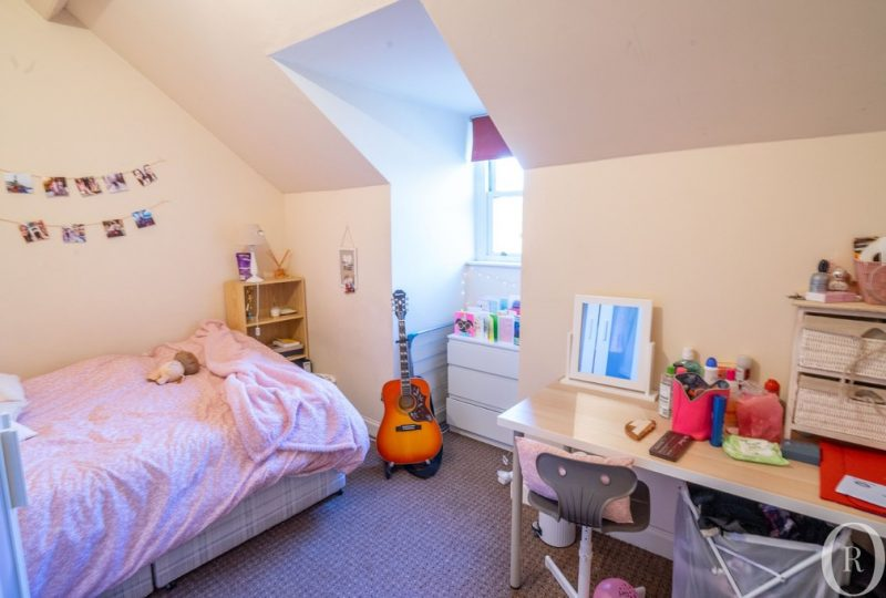 3 Double Bedroom Student Flat – Close to UoL